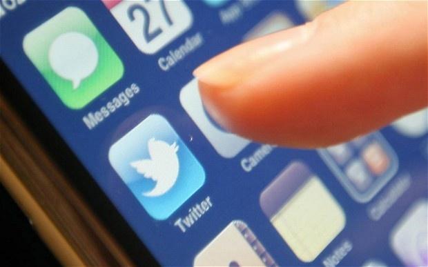 توییتر از فیسبوک تگ، تقلب کرد