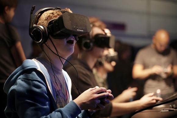 فیسبوک تکنولوژی شرکت Oculus را به قیمت 2 میلیارد دلار خریداری کرده است.